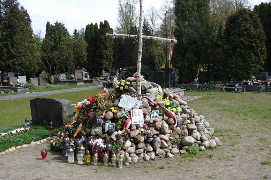 IPN: Zakończenie poszukiwań ofiar komunizmu na Łączce do czerwca 2017 r.
