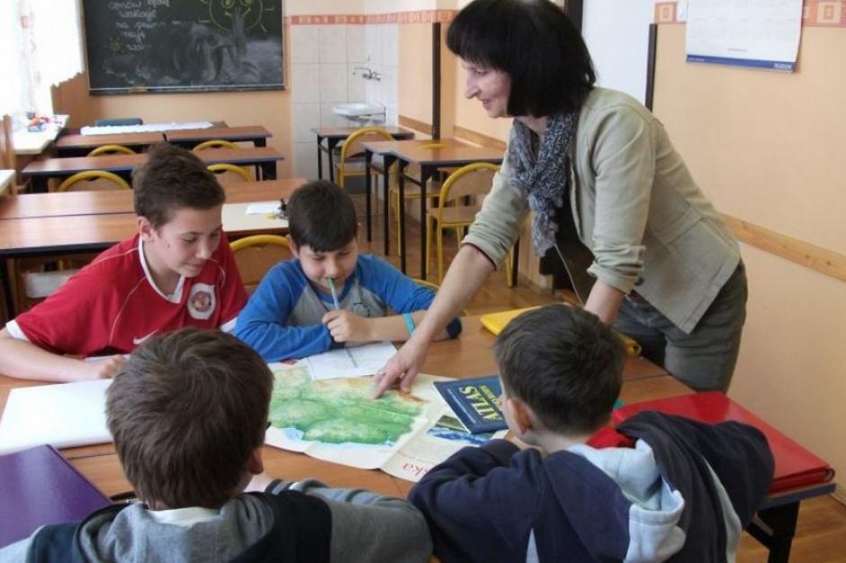 Dzień Edukacji Narodowej: Zaledwie co piąty nauczyciel to mężczyzna