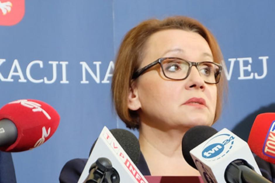 Minister edukacji zostanie odwołana? Jest wniosek o wotum nieufności wobec Zalewskiej