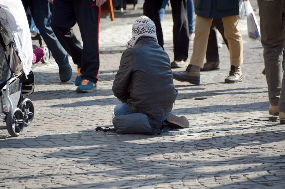 MRPIPS: W Polsce jest 595 noclegowni, ale bezdomni i tak odmawiają pobytu w nich
