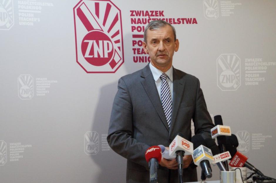 Reforma szkolnictwa, Związek Nauczycielstwa Polskiego rozpoczyna ogólnopolską akcję protestacyjną