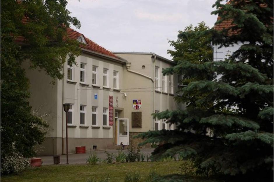 Reprywatyzacja nie tylko w Warszawie. W powiecie gostyńskim uratowali szkołę, ale co z DPS-em?