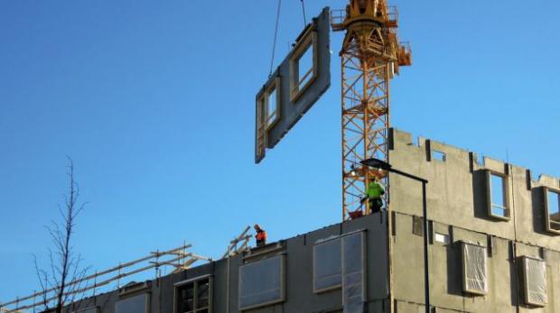 Mieszkanie Plus: Deweloperzy czekają na realizację rządowego programu. Dlaczego?