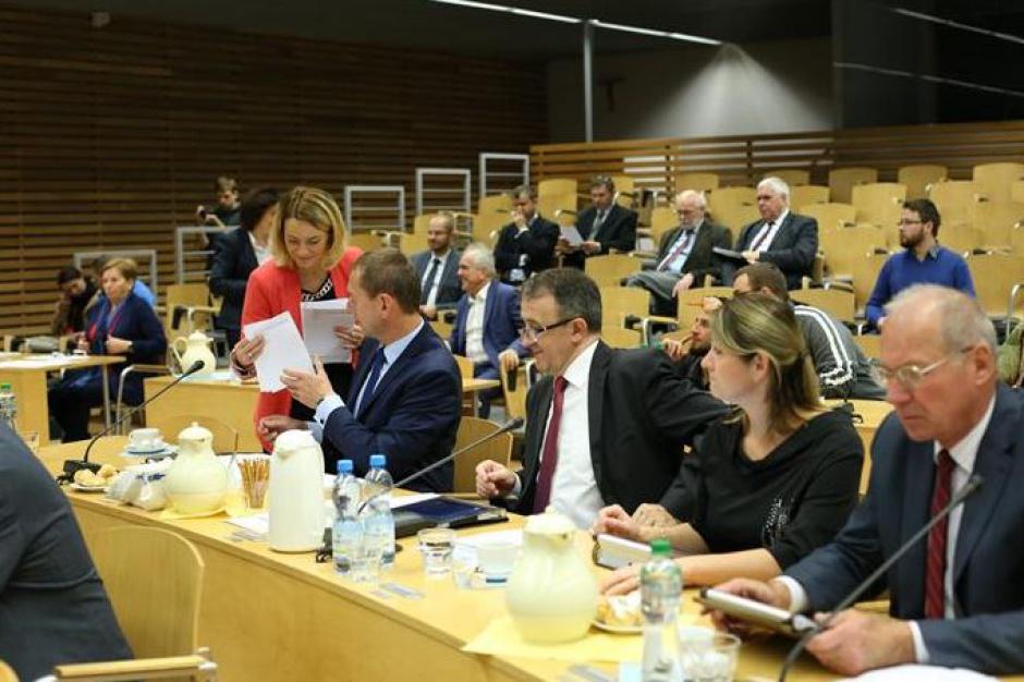 Opolskie: Radni apelują o komunikacyjne inwestycje