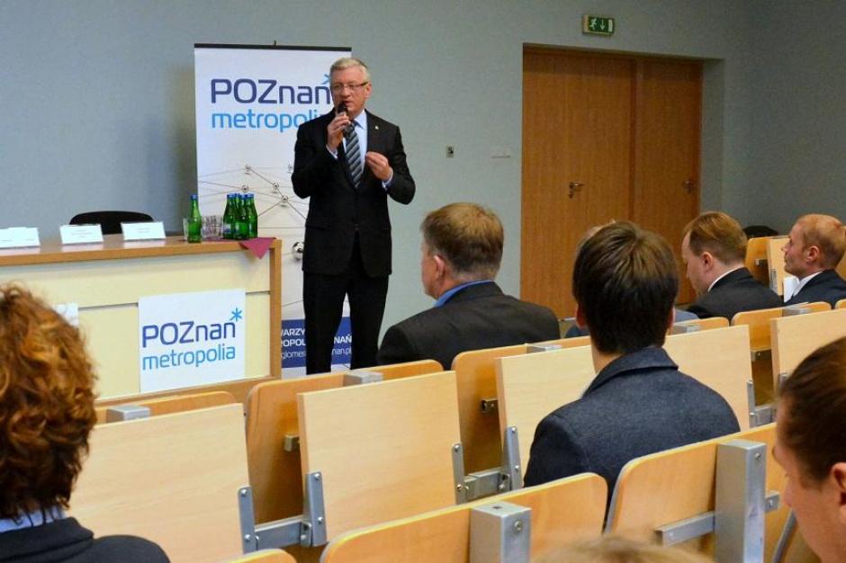 Poznań: Koniec rywalizacji miasto-powiat. Uczestnicy forum metropolitalnego zapowiadają współpracę