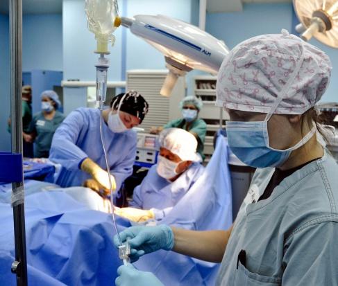 NIK o leczeniu pacjentów zudarem mózgu