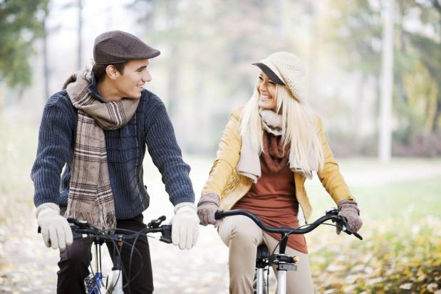 Ścieżki rowerowe, stojaki, kaski, aplikacje: Jacy są polscy rowerzyści i co jest dla nich ważne?