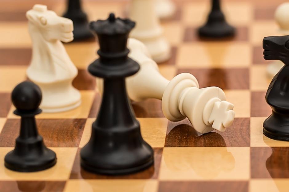 Urząd, praca, nabory: Konkursy bywają fikcją. Ale to argument za ich utrzymaniem?