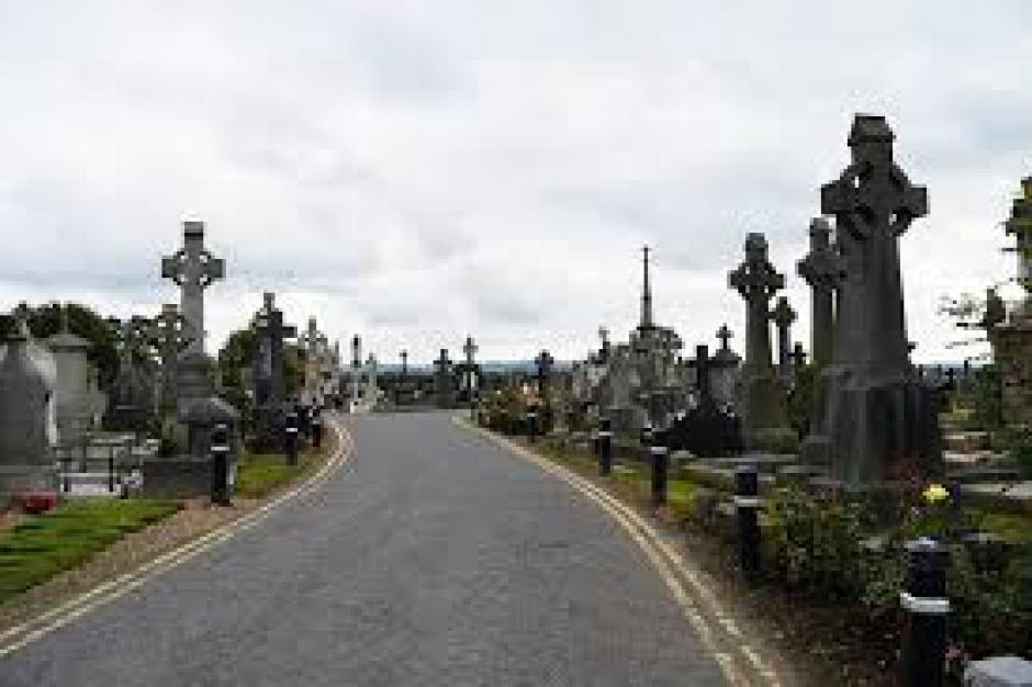 Kodeks urbanistyczno-budowlany, cmentarze komunalne: Zmiany projektowane przez MIB będą dotyczyć także nekropolii