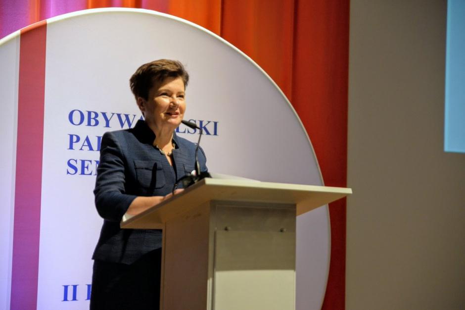 Warszawa, Gronkiewicz-Waltz: Droga do odzyskania budynku gimnazjum na Twardej otwarta