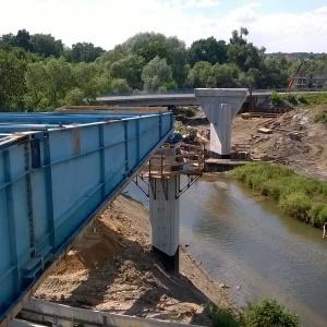 Most nasuwalny na obwodnicy Leśnicy. (fot. Skanska)