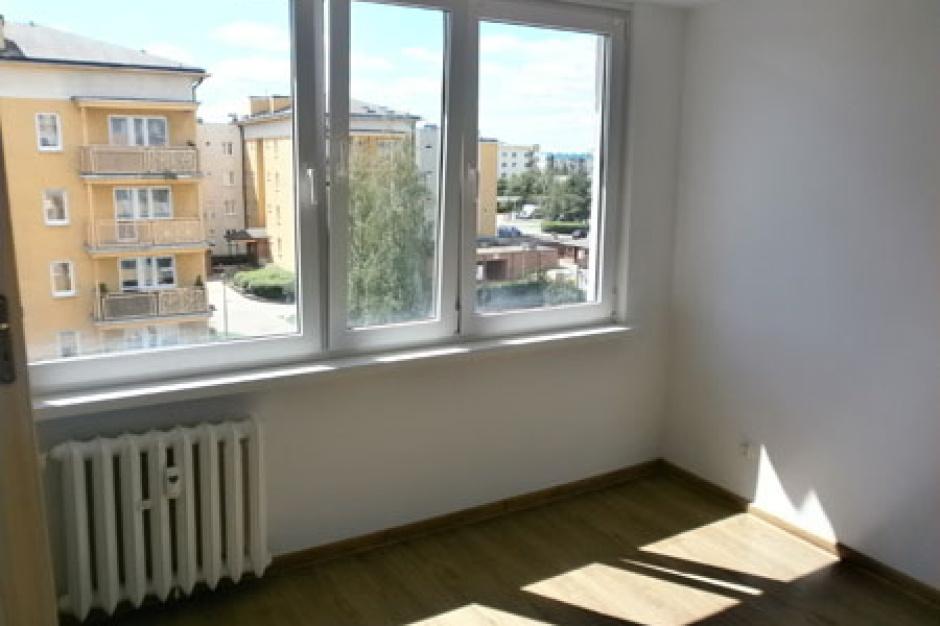 Toruń, Mieszkanie dla absolwenta: Prezydent miasta przyznał klucze do czterech mieszkań