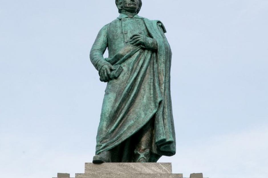 Wrocław ma pomnik Mickiewicza. Kropka w kropkę jak w Krakowie