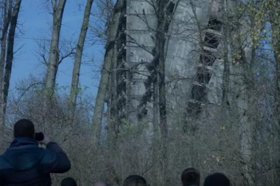 """Sosnowiecki """"szkieletor"""": Akcja wyburzanie [wideo]"""