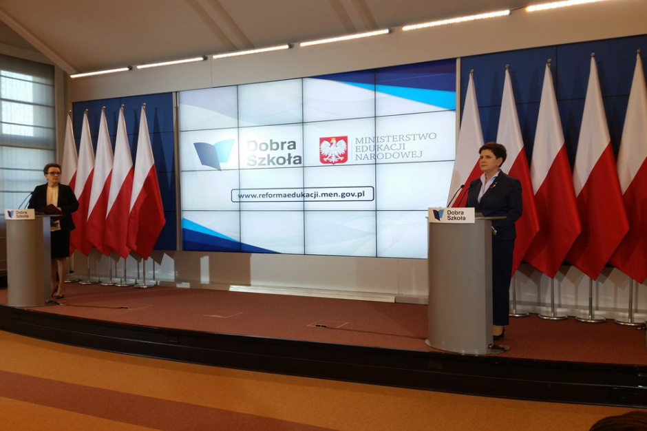 Likwidacja gimnazjów i reforma oświaty, Beata Szydło: reforma zatwierdzona przez rząd