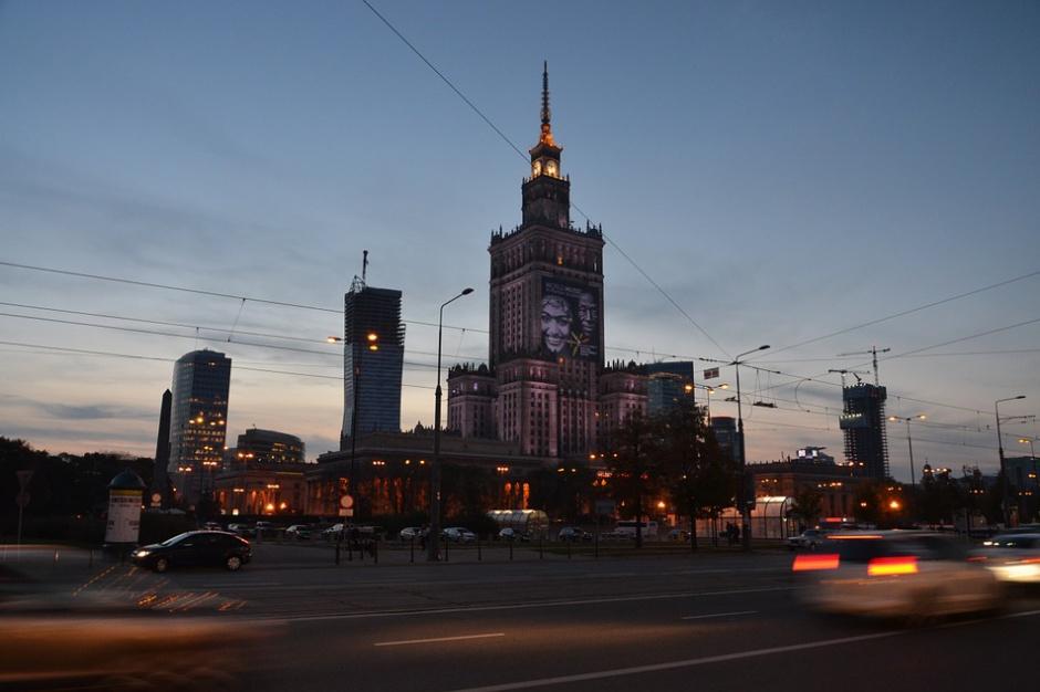 Warszawa: Obcokrajowcy podziękowali za gościnność i zaśpiewali polski hymn