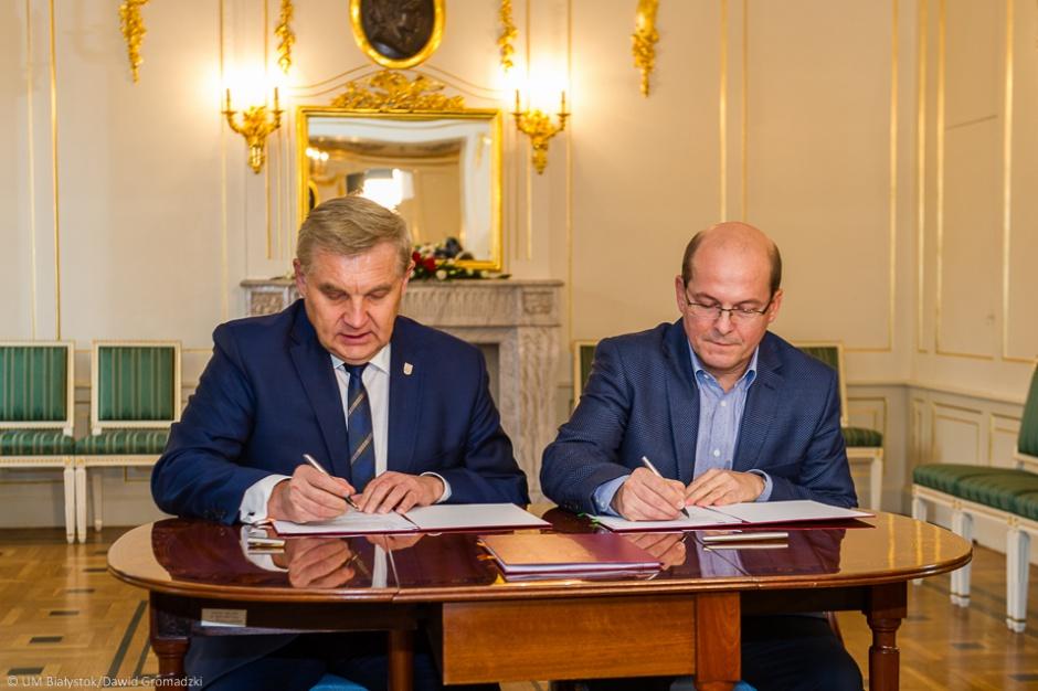 Białystok: Umowa na pomoc finansową szpitala klinicznego podpisana