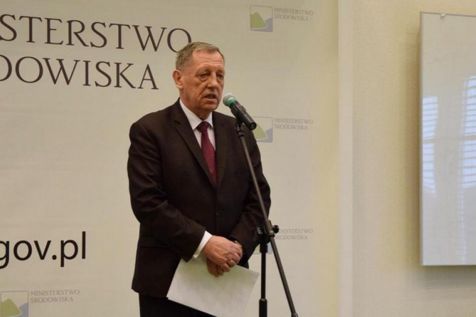 Rok rządów, Ministerstwo Środowiska: Kontrowersje wokół nowego Prawa wodnego i wycinki Puszczy Białowieskiej