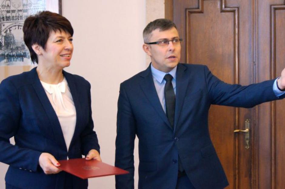 Śląskie: Kuratorium ma współpracować z samorządami ws. sieci szkół