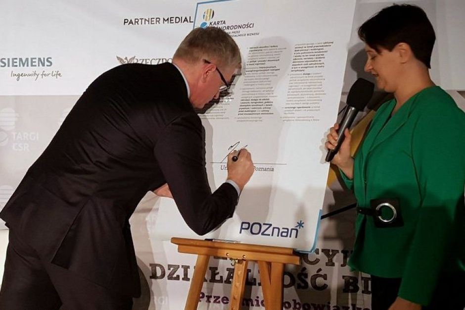 Poznań. Jacek Jaśkowiak podpisał Kartę Różnorodności