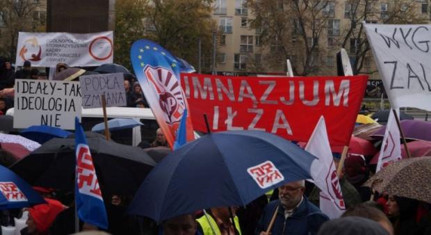 Jak poinformował Broniarz manifestacja rozpocznie się w południe na pl. Piłsudskiego w Warszawie (fot.znp.pl)