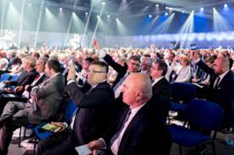 Wybory szefów okręgów PiS; zmiany w Siedlcach, Koszalinie i Pile