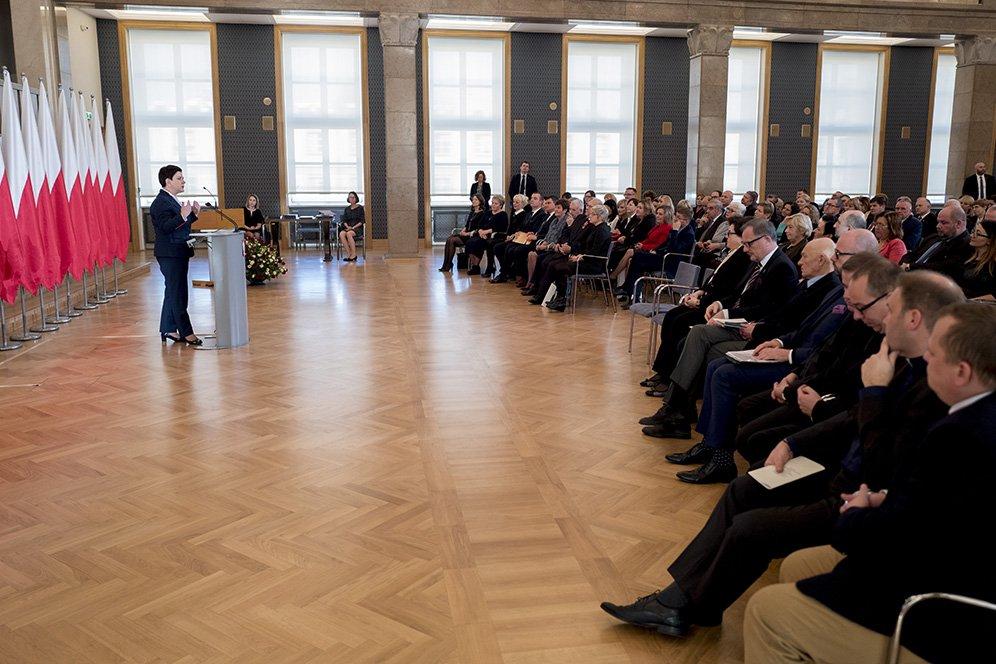 Dzień Pracownika Socjalnego, który przypada na 21 listopada, na stałe wpisał się do kalendarza ważnych wydarzeń w Polsce. (fot. premier.gov.pl)