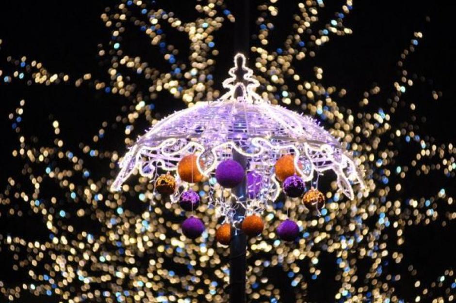 3 grudnia rozbłyśnie świąteczna iluminacja w Warszawie