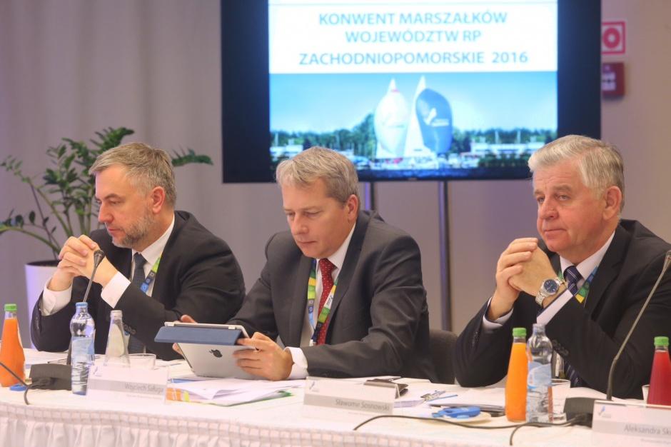 Konwent Marszałków oczekują zwiększenia finansowania ośrodków adopcyjnych