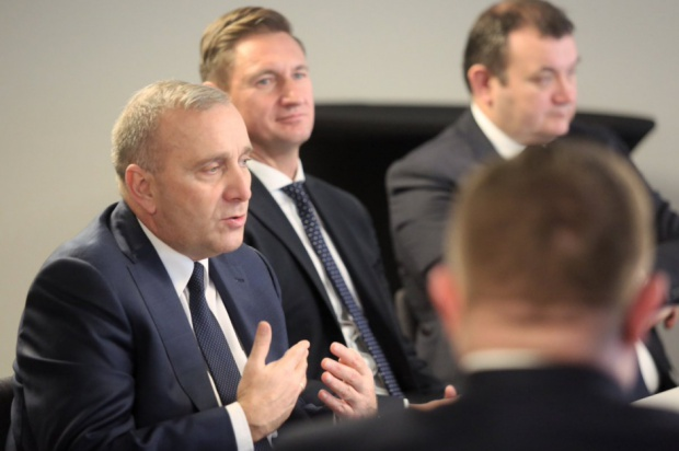 Schetyna: PiS odwraca się od samorządu. Potrzebny trzeci etap reformy samorządowej