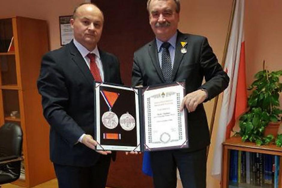 Świętokrzyskie. Wojciech Lubawski: Najwyższe odznaczenie Bośni i Hercegowiny dla prezydenta Kielc