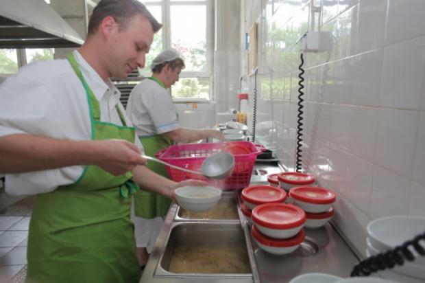 Kontrola posiłków w szpitalach: złe jadłospisy i niespełnianie wymagań sanitarnych