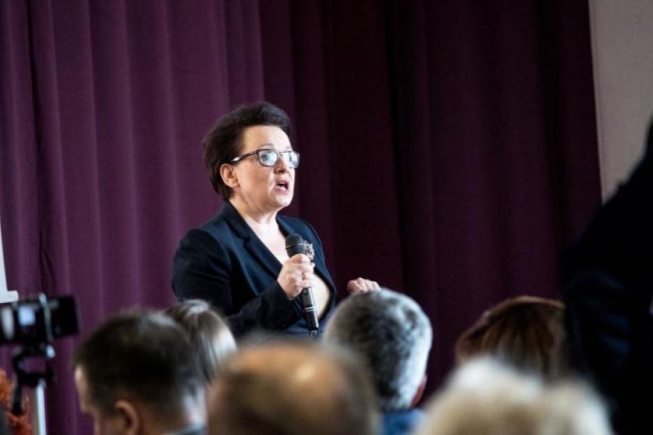 Reforma oświaty, Zalewska: W niektórych szkołach dyrektorzy mówią, że kuratora nie było od wojny