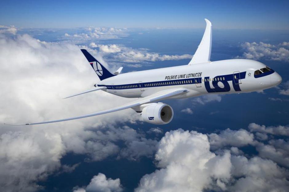 Samolot, lotnisko: Polska uruchamia nowe loty do Fukuoki, Sendai i Sapporo