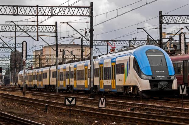 Pociągi Kolei Śląskich już w byłej bazie Przewozów Regionalnych w Katowicach