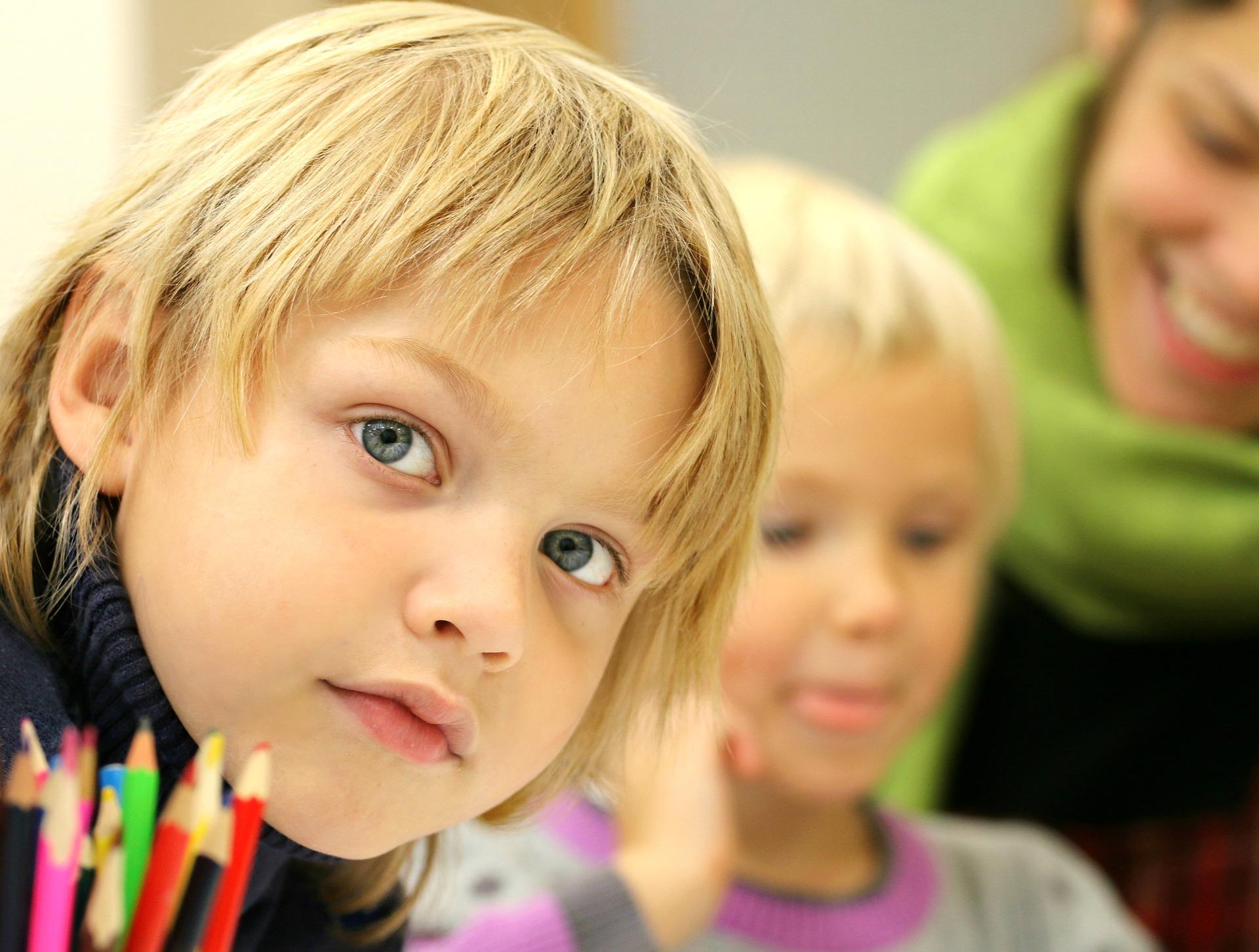 W 8-letniej szkole podstawowej, tak jak dotąd, w klasach I-III będzie edukacja wczesnoszkolna. Od I klasy uczniowie będą się także uczyć języka obcego (fot.pixabay)