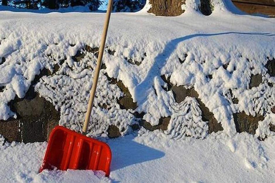 Śląskie: blisko 4 tys. odbiorców bez prądu po intensywnych opadach śniegu