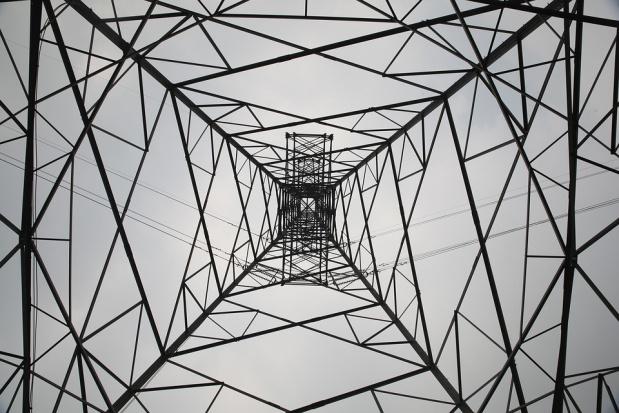 Śląskie: Energetycy usuwają awarie po wichurach