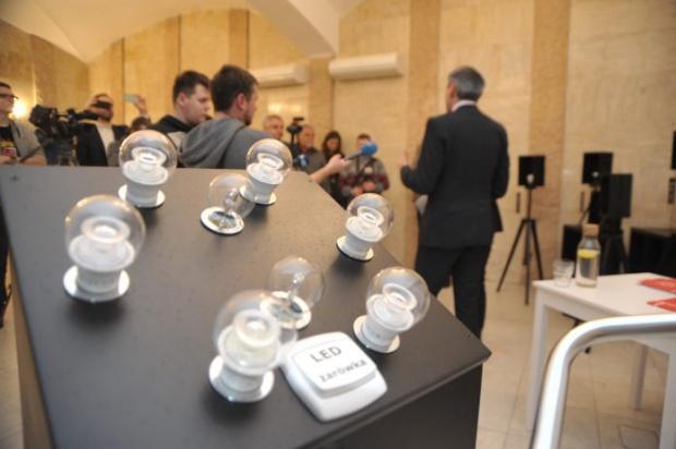 Słupsk rozpoczyna współpracę z Ikeą. 5 tys. żarówek LED trafi do mieszkań komunalnych
