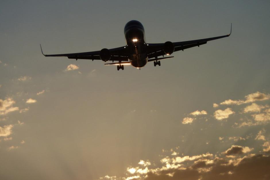 Podlaskie, referendum ws. lotniska: Mieszkańcy zdecydują też o lokalizacji?