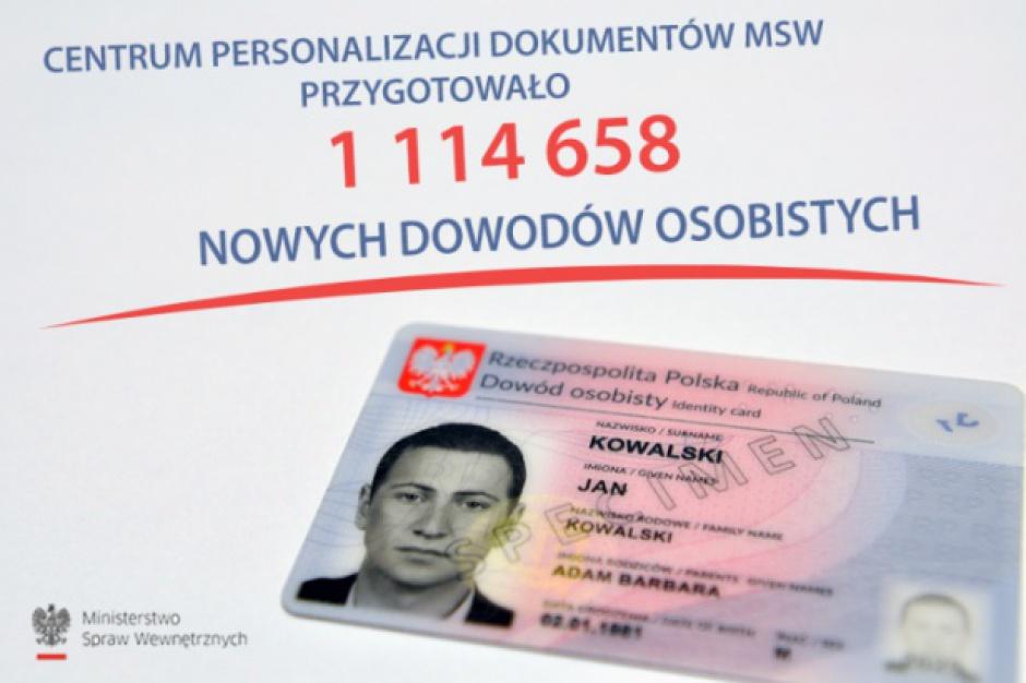MSWiA bierze się za dokumenty Polaków. Mają być bezpieczniejsze