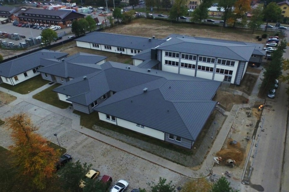 Mazowieckie: Powstał nowoczesny budynek szkolno-szpitalny