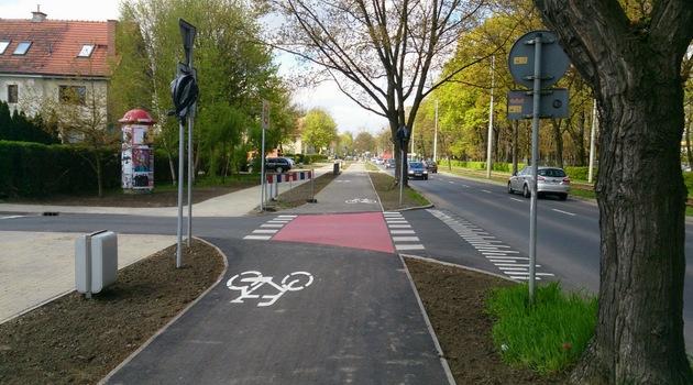 Trasa rowerowa przy ulicy Mickiewicza we Wrocławiu. (fot. UM Wrocław)