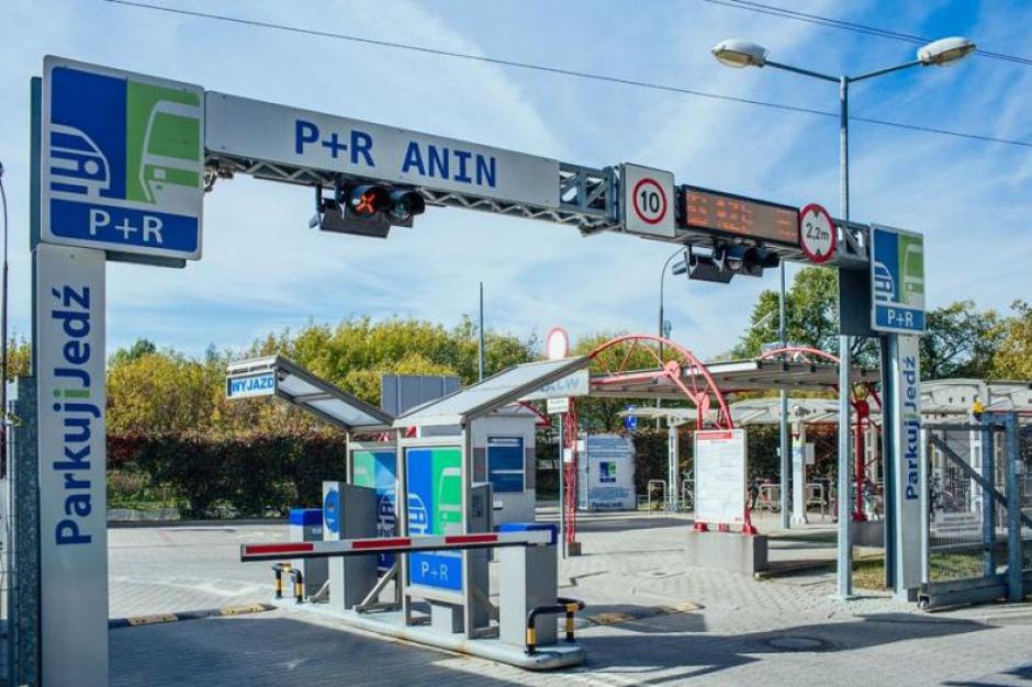 """Metropolia warszawska: 27 parkingów """"Parkuj i Jedź"""" do 2018 r."""