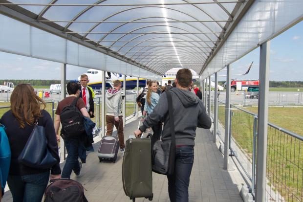 Lotnisko w Modlinie mniej popularne niż przed rokiem