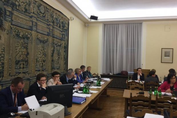 Reforma oświaty: Sejmowe komisje za likwidacją gimnazjów i zmianą struktury szkół