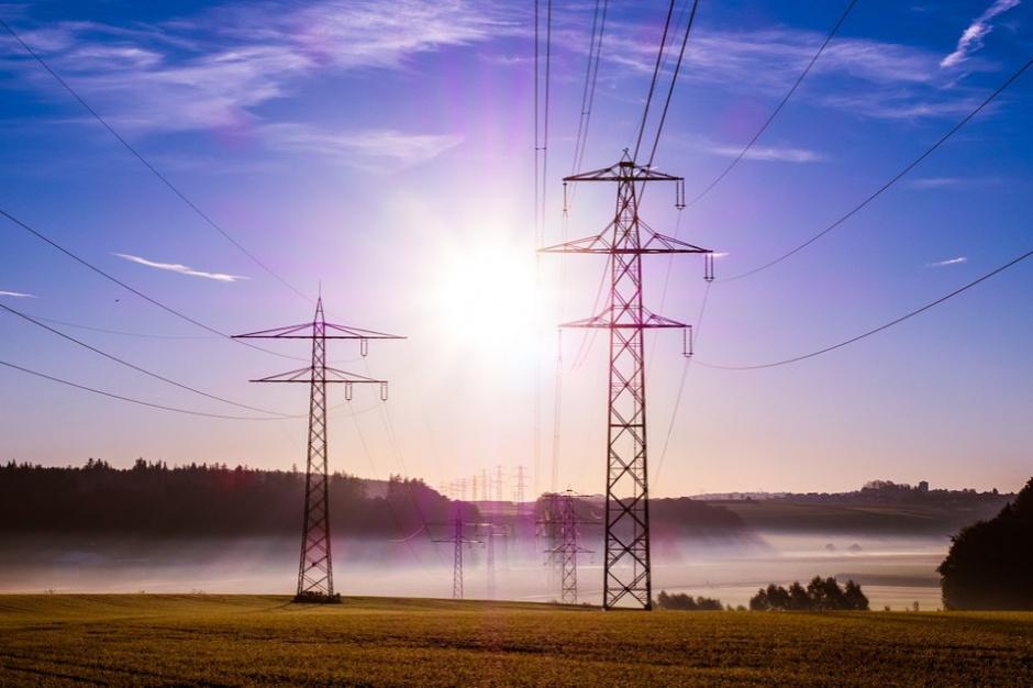 Pomorskie: Ok. 57 proc. mniej za prąd dzięki grupowemu zakupowi energii