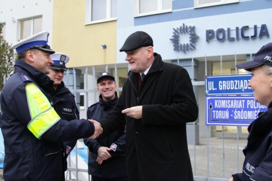 Toruń wspiera policję