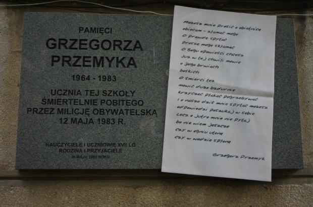 Warszawa: Uczczono pamięć ofiar stanu wojennego