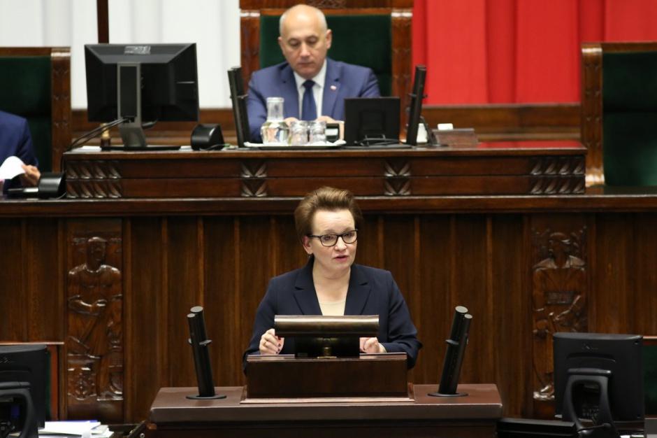 Zalewska w Sejmie: Nie można zmienić terminu wejścia w życie ustaw reformujących edukację
